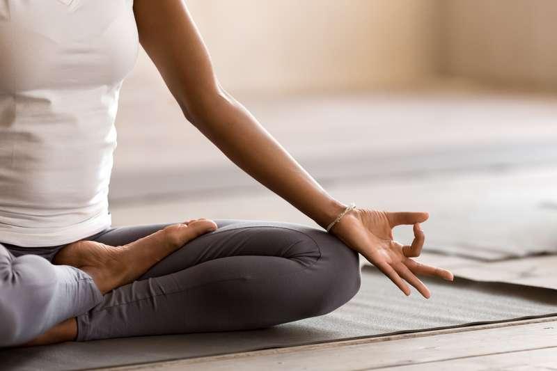 yoga-und-meditation-verkleinern-gehirnareal-fuer-negative-emotionen,380827_m_n